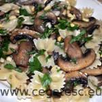 Fundite cu ciuperci si usturoi